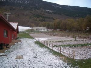 Prima neve invernale sulla Fattoria Antica Forconia a L'Aquila