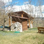 Rilassante giardino dell'agriturismo Antica Forconia vicino L'Aquila