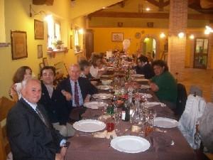 Tavolata a pranzo in Agriturismo Fattoria Antica Forconia a L'Aquila