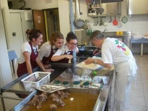La Cuoca Mara e lo Staff dell'Agriturismo Fattoria Antica Forconia