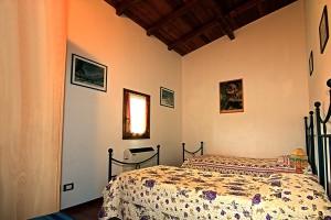 camera doppia di un bungalow dell'Agriturismo Fattoria Antica Forconia