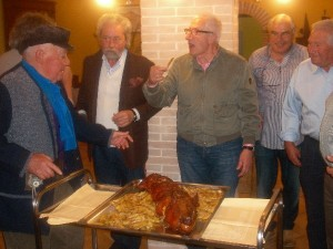Cena tra amici con Maialino al Forno e patate in agriturismo a L'Aquila