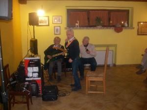 Serata di canto e cucina tradizionale in Agriturismo vicino L'Aquila