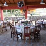 Tavoli pronti per un Matrimoni in Agriturismo Fattoria Antica Forconia